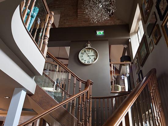 London Inn Public House